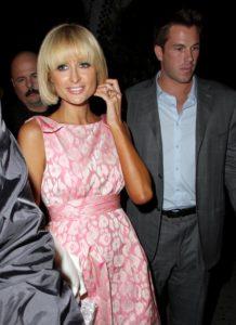 Paris Hilton veste Blumarine
