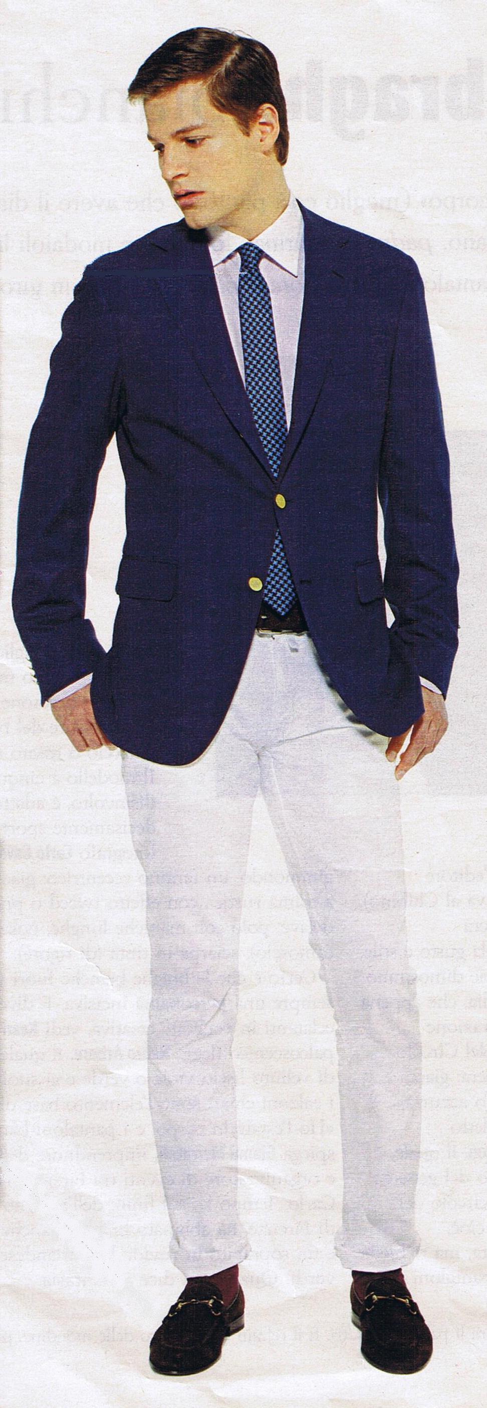 Blazer blu due bottoni con jeans bianco - ph Enzo Ranieri 2674486bfb3