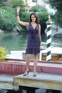 Maria Grazia Cucinotta, ha scelto un vestito Moschino