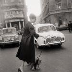7 febbraio 1960. Audrey all'uscita dell'Hotel Hassler