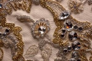 Pino Grasso ricamo oro e cristalli