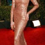 La Hathaway in Giorgio Armani Privè ai Golden Globes 2011