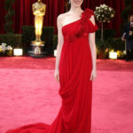 La Hathaway in Marchesa agli Oscar 2008