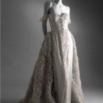 Primavera/Estate 1995 Un romantico abito da sera in seta grigio perla © Museo Virtuale Valentino Garavani