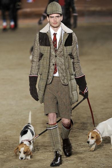 IMORE - Gentleman raffinati in abiti sportivi a400779170b