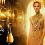 """La Theron nella pubblicità del profumo """"J'Adore"""""""