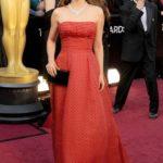 La Portman in Dior vintage agli Oscar 2012