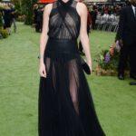 """La Theron in Dior couture alla premiere di """"Biancaneve e il Cacciatore"""" nel 2012"""