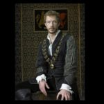 THE TUDORS-Collar with Black Jet and Medallion