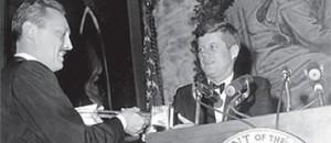 J. Lejeune premiato da J.Kennedy