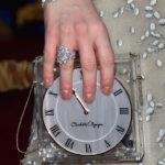 "La clutch ""Time Piece"" di Charlotte Olympia"