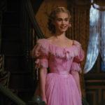 Cenerentola in abito rosa per il ballo