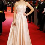 Lily James in Christian Dior al Festival del Cinema di Berlino