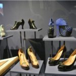 """Allestimento Mostra """"Shoes: pleasure and pain"""" V&A Museum courtesy V&A Museum"""