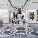 Interno della boutique Versace a Berlino