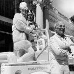 A.Courregès firma un auto foto Reuters 1986