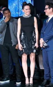 Daisy Ridley In Giambattista Valli Couture - 'Star Wars: Il risveglio della Forza' evento per i fan a Seoul