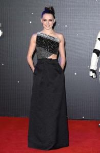 Daisy Ridley In Roland Mouret - 'Star Wars: Il risveglio della Forza' premiere londinese