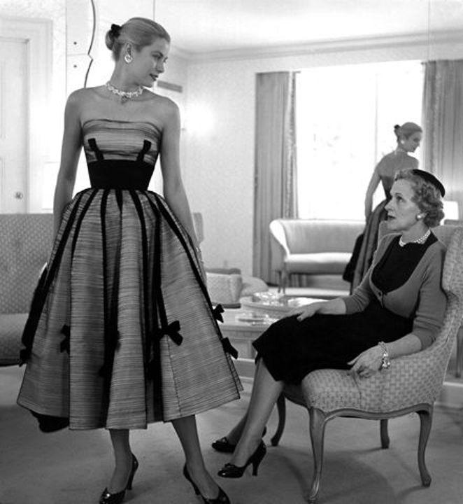 premium selection 854a5 bb0bd IMORE - Anni '50. La scissione tra haute couture e prêt-à-porter