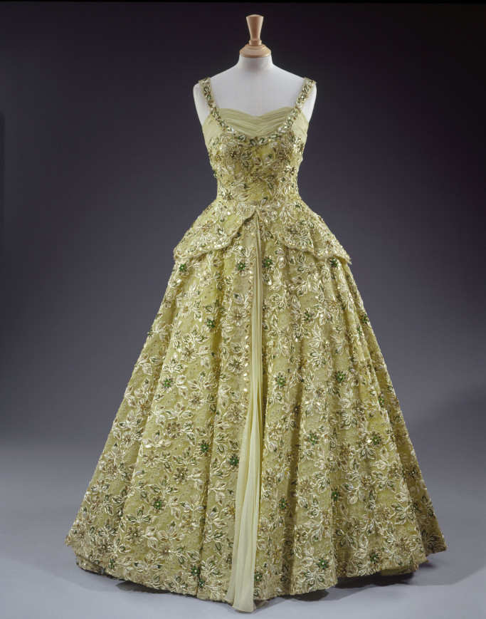 Worn in 1957 during her visit to the United States of America as a guest of President Eisenhower (c)HER MAJESTY QUEEN ELIZABETH II 2016