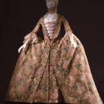 """""""Il capriccio e la ragione"""" -abito-femminile-G. Costume courtesy M. Tessuto"""