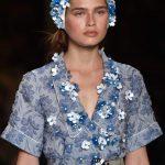 Cuffietta Miu Miu versione tiara azzurro cielo