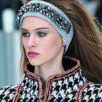 Chanelarella Style-fascia cinerina e perle
