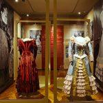 """""""Maria Callas in scena, gli anni alla Scala"""" ,abiti de Il Barbiere di Siviglia"""