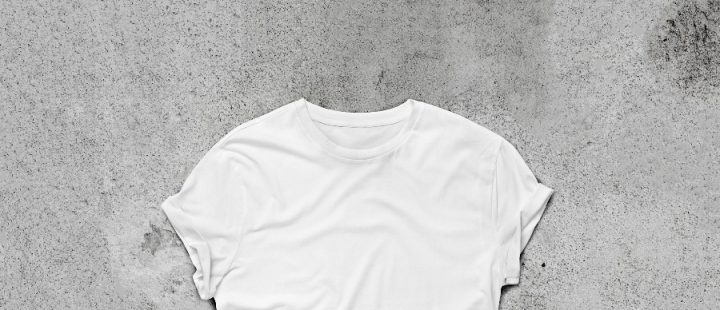 T-shirt bianca courtesy Shutterstock SFIO-CRACHO