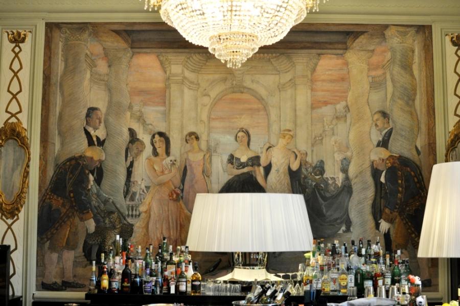 """Altaroma """"Creative District"""" Hotel Plaza-Affreschi del Salone Carodin"""