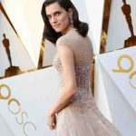Allison Williams in Armani Privè - Oscar 2018