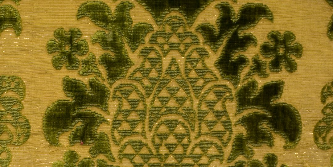 """Mostra """"Drappi d'oro e di seta. Tessuti per le corti europee del Rinascimento""""."""