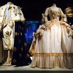 """Marie Antoinette. I costumi di una regina da Oscar"""" ab"""
