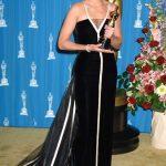 Julia Roberts in Valentino 1992-93 Oscar 2001
