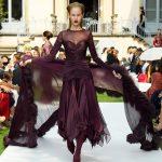 Curiel Haute Couture A/I 18-19 Abito longuette di jersey e chiffon color prugna - courtesy Curiel