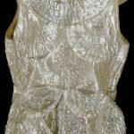 """""""Fashioned from Nature"""" Londra V&A Museum-cappotto da sera rivestito di cellophan di Alix Parigi 1936"""