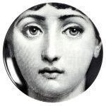 """Piatto in ceramica serie """"Tema e Variazioni"""" courtesy Atelier Fornasetti"""