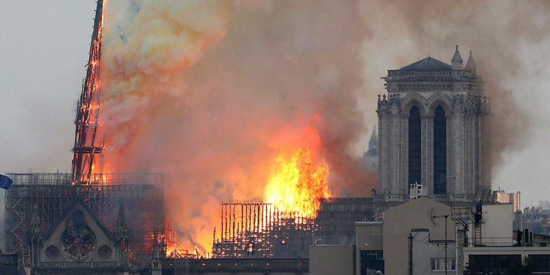 Incendio di Notre Dame ph Thibault Camus