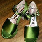 Raso verde per i sandali Rochas. Ph. Monica Bracaloni