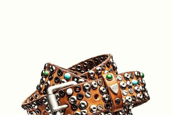 Cintura con borchie - courtesy HTC Los Angeles