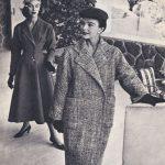 Due creazioni con le modelle Loredana Pavone e Joe Patterson courtesy Archivio Ferdinandi